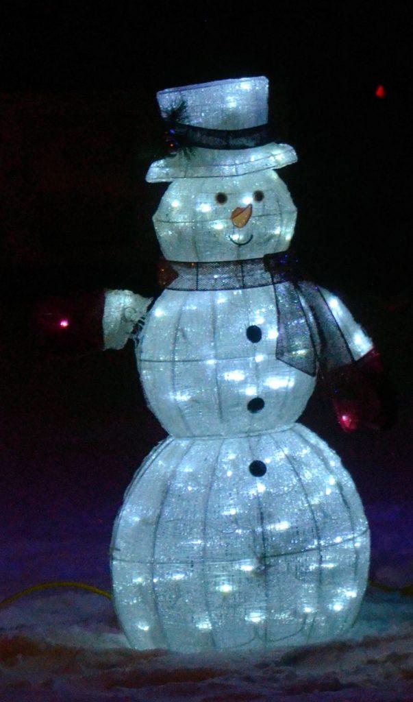 xmas-lights-snowman-1-column