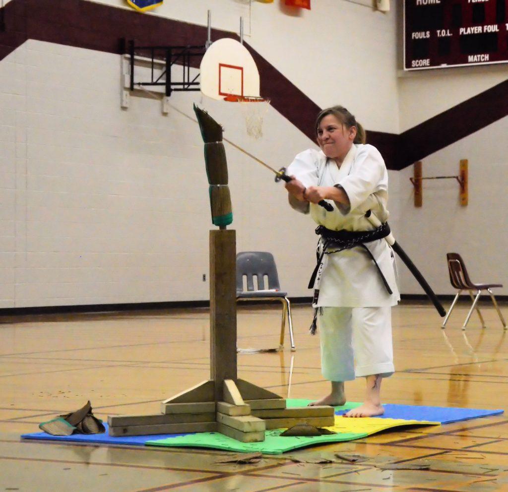 karate - sword determination